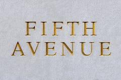 A Quinta Avenida cortou na rocha do granit Imagem de Stock Royalty Free