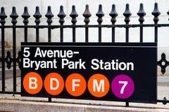Quinta Avenida y estación del parque de Bryant, Nueva York Fotos de archivo