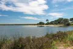 Quinta hace el paisaje de Lago, en Algarve Foto de archivo
