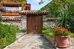 Quintal velho da casa imagem de stock royalty free