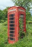 Quiosco de teléfono británico tradicional Fotografía de archivo libre de regalías