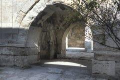 Quiosco-mezquita de piedra dentro de la caravanseray Imágenes de archivo libres de regalías