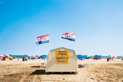 Quiosque alugado da cadeira de praia na praia da floresta virgem, New-jersey Imagem de Stock Royalty Free