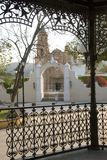 Quiosque e fachada da igreja Foto de Stock Royalty Free