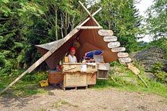 Quiosque no meio da floresta no Erzgebirge em Alemanha imagens de stock