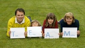 ÉQUIPE [Tom, Erica, Anna, Martha] Photographie stock libre de droits