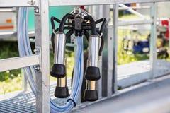 Équipement de traite mécanisé automatique pour l'industrie de ferme Images libres de droits