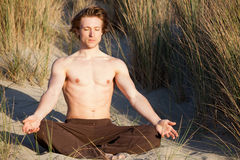 Équipez le yoga Images stock