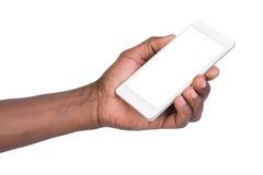 Équipez tenir le téléphone intelligent mobile blanc avec l'écran vide Image libre de droits