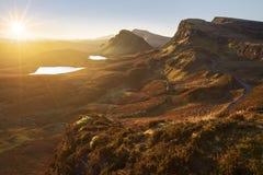 Quiraing en île de Skye, Ecosse, un jour parfaitement clair et ensoleillé image stock