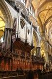 Quire da catedral de Salisbúria imagem de stock royalty free
