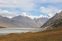 Quirguizistão - região central de Tien Shan Imagens de Stock