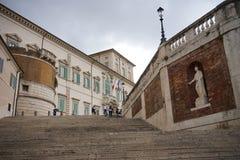 Quirinal宫殿的外部的看法在罗马 库存照片