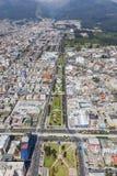 Quito Av Mariana de Jesus Arkivbild