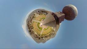 Quito de desatención desde arriba del planetario Ciudad Mitad Del Mundo almacen de metraje de vídeo