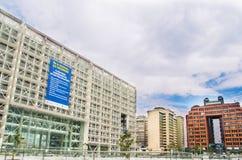 QUITO, ECUADOR 26 APRIL, 2017: De nieuwe moderne overheids financieel die beheer bouw van het platformbureau, door Rafaël wordt g Royalty-vrije Stock Fotografie