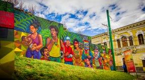 QUITO ECUADOR AUGUSTI 20 2017: Härliga gatagrafitti på en vägg i den centrala Quito, Ecuador Royaltyfria Foton