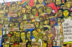 QUITO ECUADOR AUGUSTI 20 2017: Härliga vägg- grafitti på en vägg i den centrala Quito, Ecuador Arkivbild