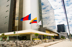 QUITO, ECUADOR 26 DE ABRIL DE 2017: Nuevo gobierno hermoso del edificio situado en el centro de la ciudad magnífica de Quito fotografía de archivo