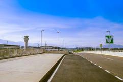 Quito, Ecuador - 23 de noviembre de 2017: Vista al aire libre hermosa del aeropuerto internacional hemorroidal de Sucre de la ciu Fotografía de archivo