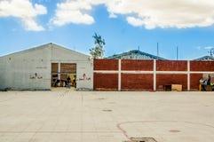 QUITO, ECUADOR, IL 21 AGOSTO 2018: Vista all'aperto del centro del rifugio situata nella città di Quito, usata per la gente stran fotografia stock