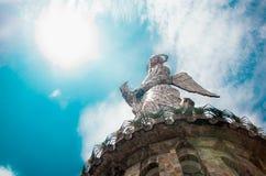 QUITO, ECUADOR 23. MÄRZ 2017: Monument zu Jungfrau Maria befindet sich auf EL Panecillo und ist von die meisten sichtbar Lizenzfreie Stockbilder