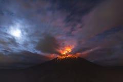 QUITO, ECUADOR - 4 marzo 2016: Il vulcano di Tungurahua è uno del Fotografie Stock Libere da Diritti