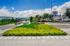 QUITO, ECUADOR NOVEMBER, 27, 2017: Ansicht im Freien vieler schönen Anlagen gelegen am Freien im Park im neuen Lizenzfreies Stockbild