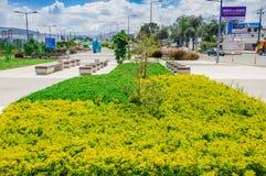 QUITO, ECUADOR NOVEMBER, 27, 2017: Ansicht im Freien vieler schönen Anlagen gelegen am Freien im Park im neuen Lizenzfreie Stockbilder