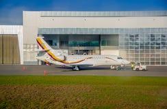QUITO, ECUADOR - 31. OKTOBER 2015: Ekuadorianisches Präsidentenflugzeug geparkt in Simon Bolivar-Flughafen lizenzfreie stockfotos