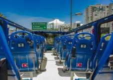 QUITO, ECUADOR - 10. SEPTEMBER 2017: Schöne Ansicht vom touristischen Bus um verschiedene touristische Plätze in der Stadt von Lizenzfreie Stockbilder