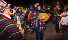 Quito Ekwador, Luty, - 02, 2016: Niezidentyfikowani ludzie ubierali up uczestniczyć w Diablada, mężczyzna z a Obraz Royalty Free