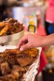 QUITO, EKWADOR 07 MAJ, 2017: Zamyka up hornado piec wieprzowiny ecuadorian tradycyjny typowy andyjski jedzenie Obraz Stock