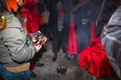Quito Ekwador, Maj, - 27, 2015: Zamyka up niezidentyfikowanych ludzi w diablada ma zabawę Obrazy Royalty Free