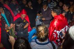 Quito Ekwador, Maj, - 27, 2015: Zamyka up niezidentyfikowanych ludzi w diablada ma zabawę Fotografia Royalty Free