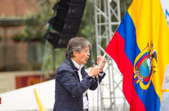 Quito Ekwador, Marzec, - 26, 2017: Guillermo lasso, kandyday na prezydenta CREO SUMA sojusz na scenie podczas, Obrazy Royalty Free