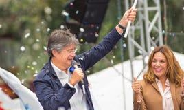 Quito Ekwador, Marzec, - 26, 2017: Guillermo lasso, kandyday na prezydenta CREO SUMA sojusz z jego żoną podczas Obrazy Stock
