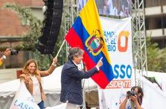 Quito Ekwador, Marzec, - 26, 2017: Guillermo lasso, kandyday na prezydenta CREO SUMA sojusz z jego żoną podczas Fotografia Stock