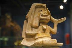 QUITO, EQUADOR - 17 DE AGOSTO DE 2018: Feito a mão cerâmico da vista interna por Incas do ancienct no museu da ágora do EL situad imagem de stock