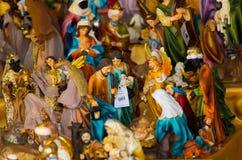 QUITO, EQUATEUR 7 MAI 2017 : Beaux petits chiffres de cluture religieux faits d'argile Photographie stock