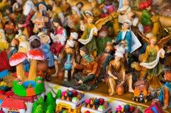 QUITO, EQUATEUR 7 MAI 2017 : Beaux petits chiffres de cluture religieux faits d'argile Photo stock