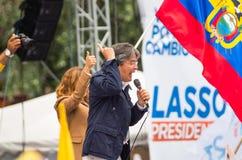 Quito, Equateur - 26 mars 2017 : Guillermo Lasso, candidat présidentiel d'alliance de CREO SUMA avec son épouse pendant Photo libre de droits