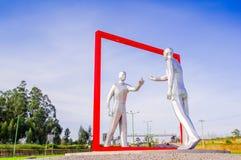 Quito, Equateur - 23 novembre 2017 : Belle vue extérieure d'un esculpture gris moderne d'art dans le sucre de Mariscal Image libre de droits