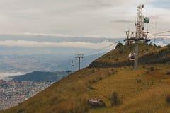 Quito kabelbil, Sydamerika Royaltyfria Bilder