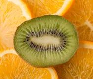Quivi e laranja Imagem de Stock Royalty Free