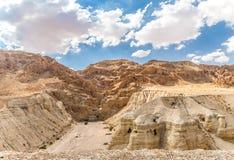 Qumran在死海,以色列附近的纸卷洞 免版税库存照片