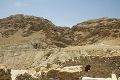 Qumran Zawala się blisko Nieżywego morza w Izrael Zdjęcia Royalty Free