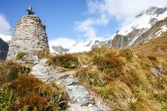 Quntin Mackinnon monumentMilford spår Nya Zeeland Arkivfoton