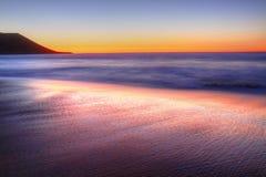 Quobba驻地 在日落的红色虚张声势 澳大利亚西部 库存照片