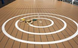 Quoits tradicionais na plataforma do navio. Fotos de Stock Royalty Free
